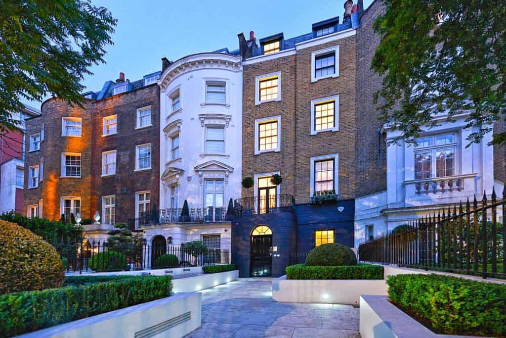 London house fronts - UK Property Cash Buyers
