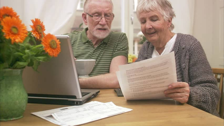 elderly couple - UK Property Cash buyers