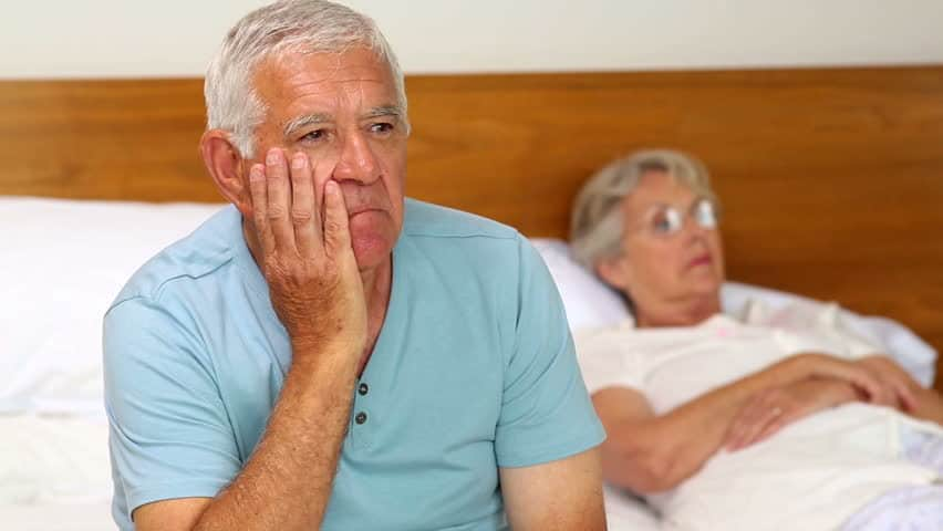 worried elderly couple - UK Property Cash Buyers