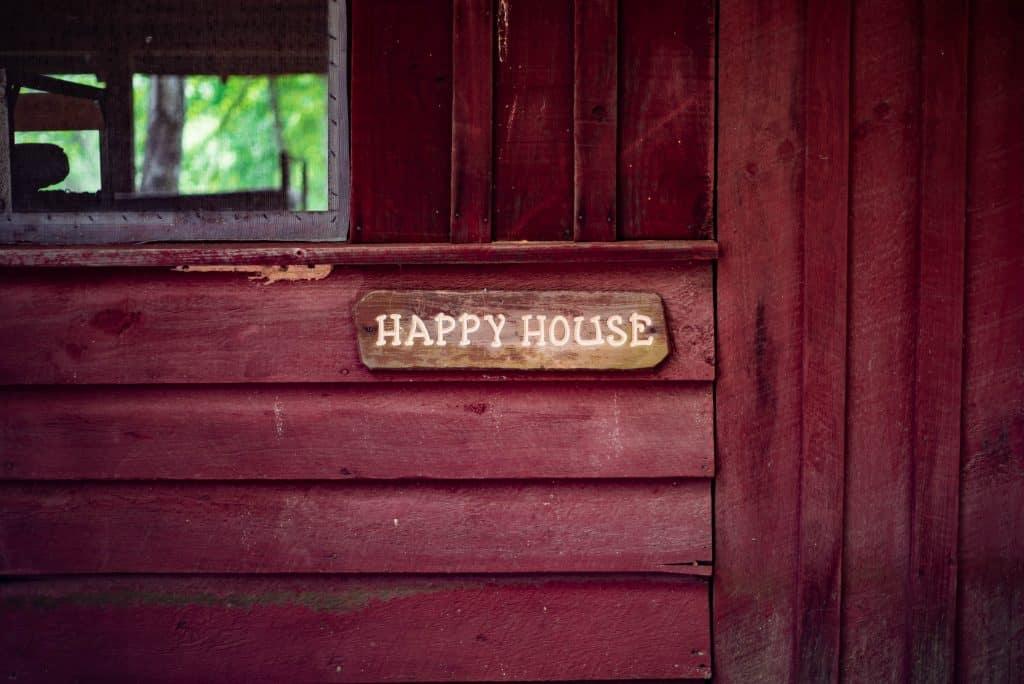 Happy house sign - UK Proeprty Cash Buyers