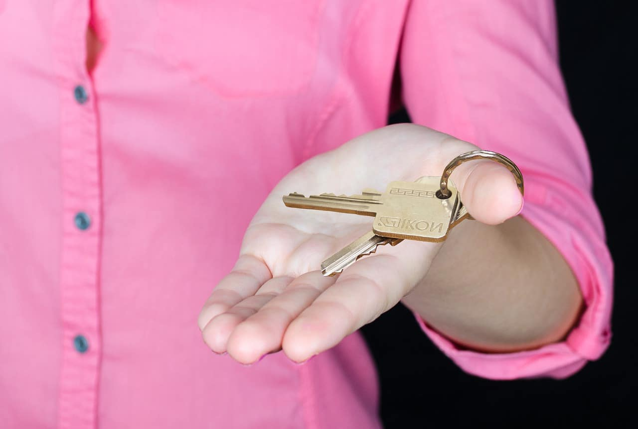 Estate agent fees for selling a house - UK Property Cash Buyers