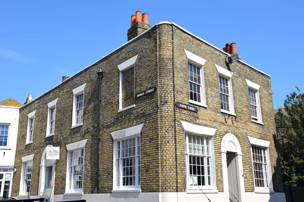 End of terrace house sold with ease - UK Property Cash Buyers