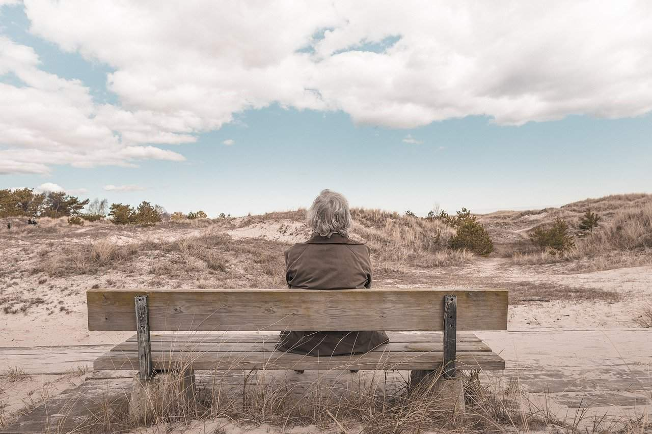 Should I sell my house and rent in retirement? - UK Property Cash Buyers